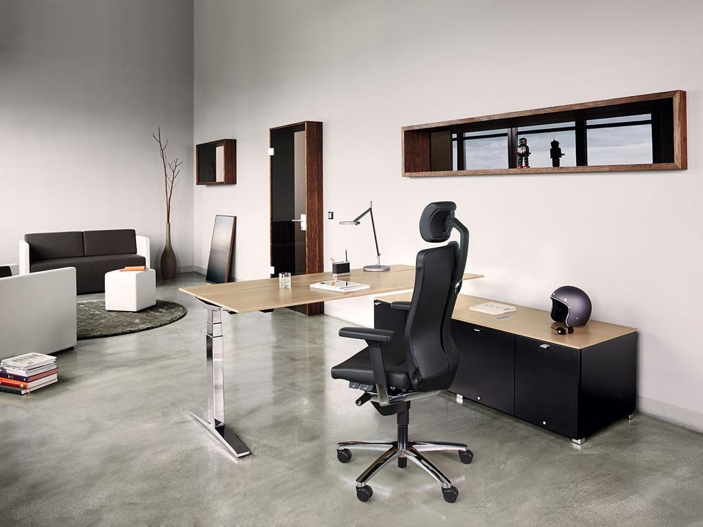 König Neurath Chefzimmer Management Möbel Table.M mit T-Fuß